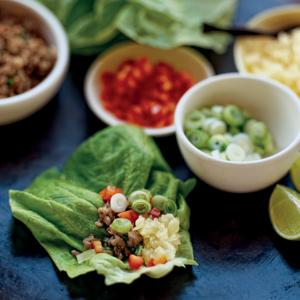 Lettuce Rolls with Pork and Pineapple