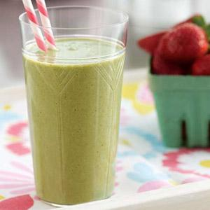 Spinach Walnut Fruit Smoothie