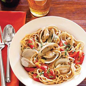 Steamed Clams with Whole-Grain Linguine