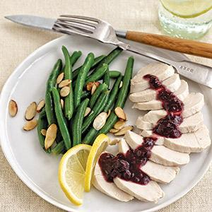 Poached Chicken with Berry Sauce and Green Beans