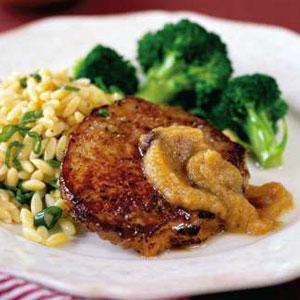 Pork Chops with Cinnamon-Rum Applesauce