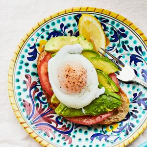 Avocado Toast with Poached Egg and Tomato