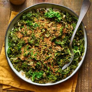 Braised Kale with Garlicky Breadcrumbs