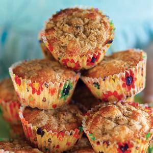 Rhubarb Crumb Cupcakes