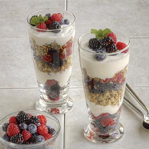 Yogurt Berry Granola Parfait