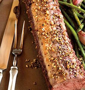 Garlic-Pepper Petite Top Loin with Roasted Green Beans & Mushrooms