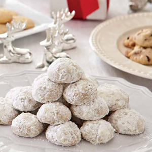 Winter Cinnamon Snowballs