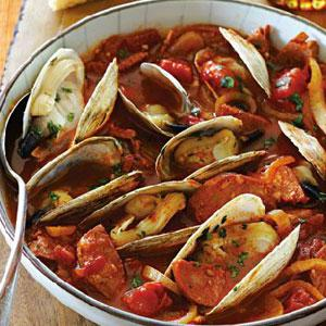 Spicy Clams with Chourico and Onions