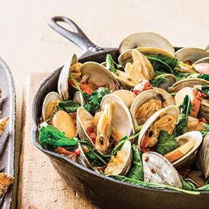 Garlicky Portuguese Steamed Clams with Sausage