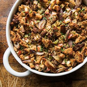 Rye Bread Dressing with Apples and Sausage