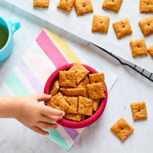 Whole-Wheat Cheddar Crackers