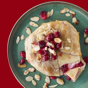 Chef Dorene Mills' Cranberry Baked Brie