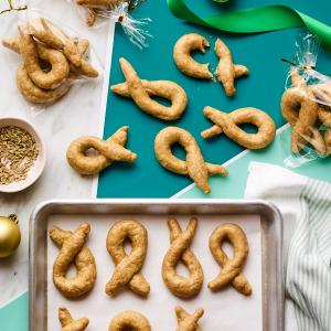 Taralli (Italian Olive Oil Crackers)