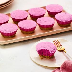 Mini No-Bake Berry Cheesecakes