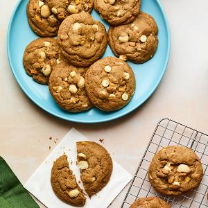 Chewy White Chocolate-Macadamia Nut Cookies