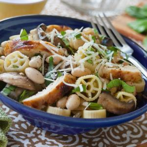 Pasta with Grilled Chicken, White Beans & Mushrooms
