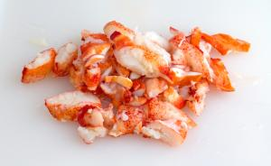 Previously Frozen Claw & Knuckle Lobster Meat