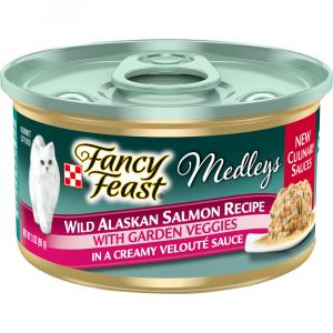 Fancy Feast Medleys Wild Alaskan Salmon with Garden Veggies