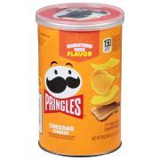 Pringles Cheddar Grab N Go Potato Crisps